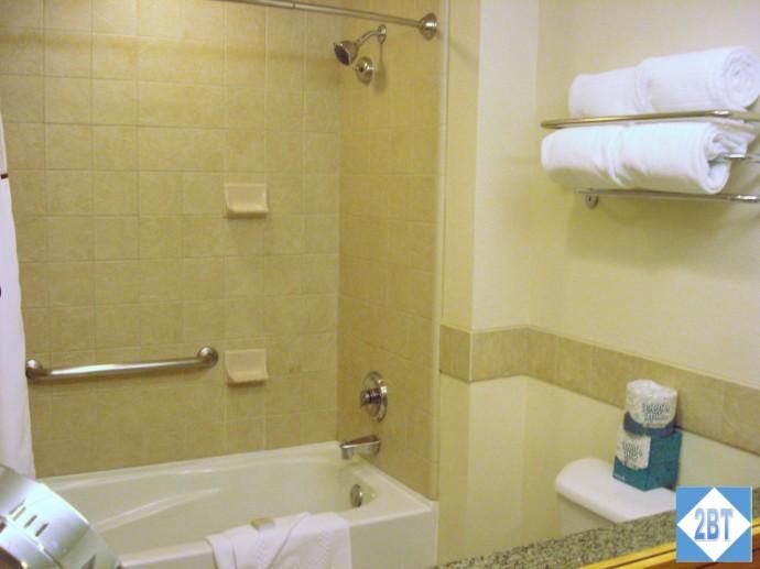 Grand Summit Bedroom #2 Bathroom Tub & Shower
