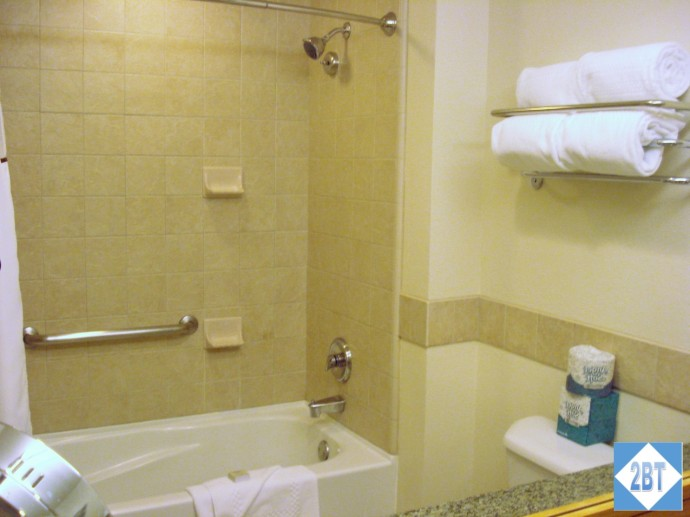 Grand Summit Bedroom #2 Bathroom Tub & Shower