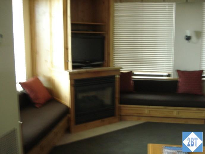 Grand Summit TV & Fireplace