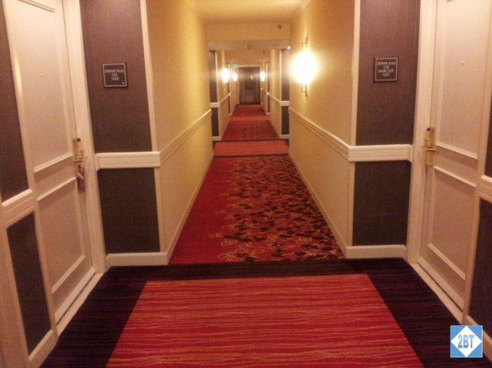 Crowne Plaza LAX Club Floor Hallway