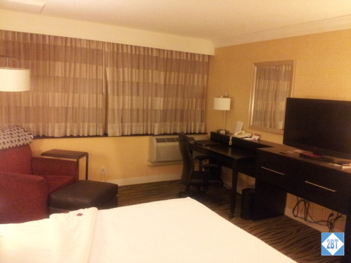 Crowne Plaza LAX Room 1623 Chair, Desk and TV