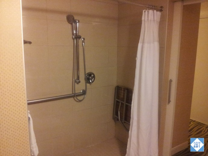 Crowne Plaza LAX Room 1623 Shower