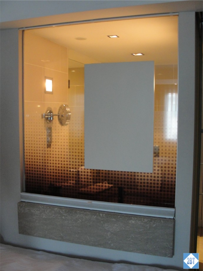 Radisson Blu Istanbul Twin Room Bathroom Window