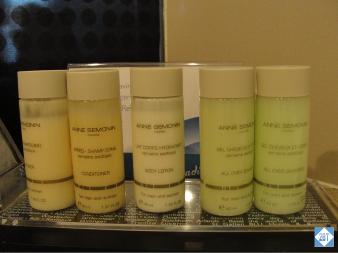Radisson Blu Istanbul Twin Room Toiletries