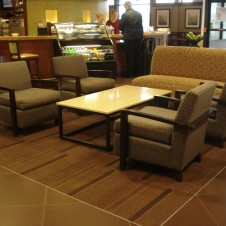 hp-mke-airport-breakfast-seating-2