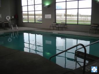hp-mke-airport-pool