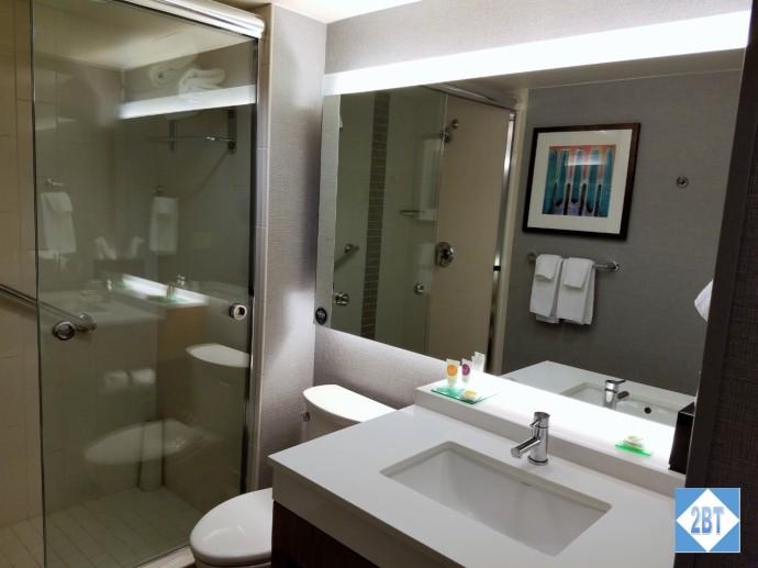 Hyatt Place DFW Bathroom