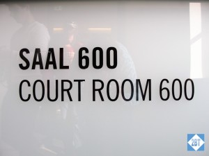 nue-saal-600-sign
