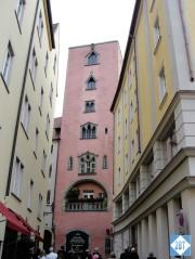 reg-pink-building