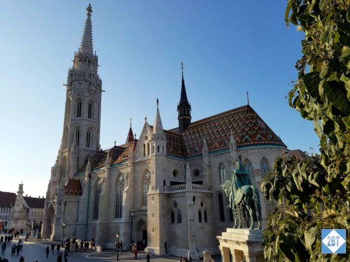 bud-matthias-church-and-statue