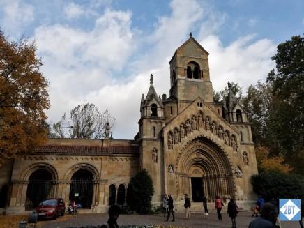 bud-vajdahunyad-castle-church