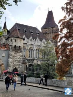 bud-vajdahunyad-castle-exterior