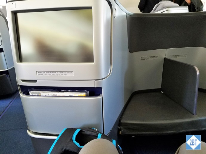 LH 430 IFE Screen and Footrest