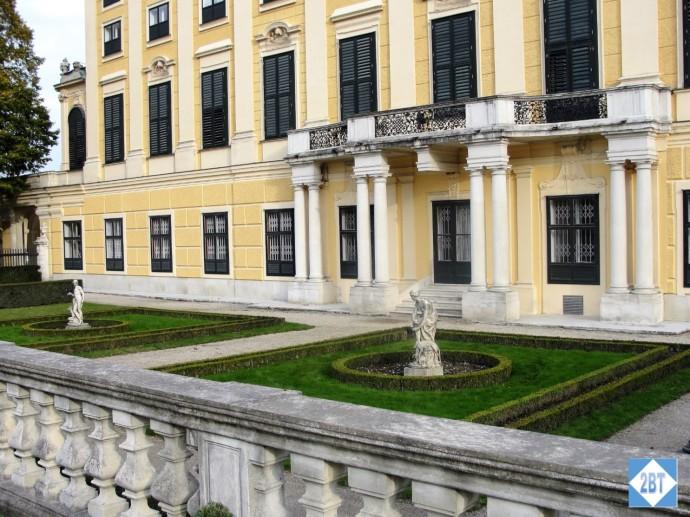 vie-schonbrunn-gardens-2