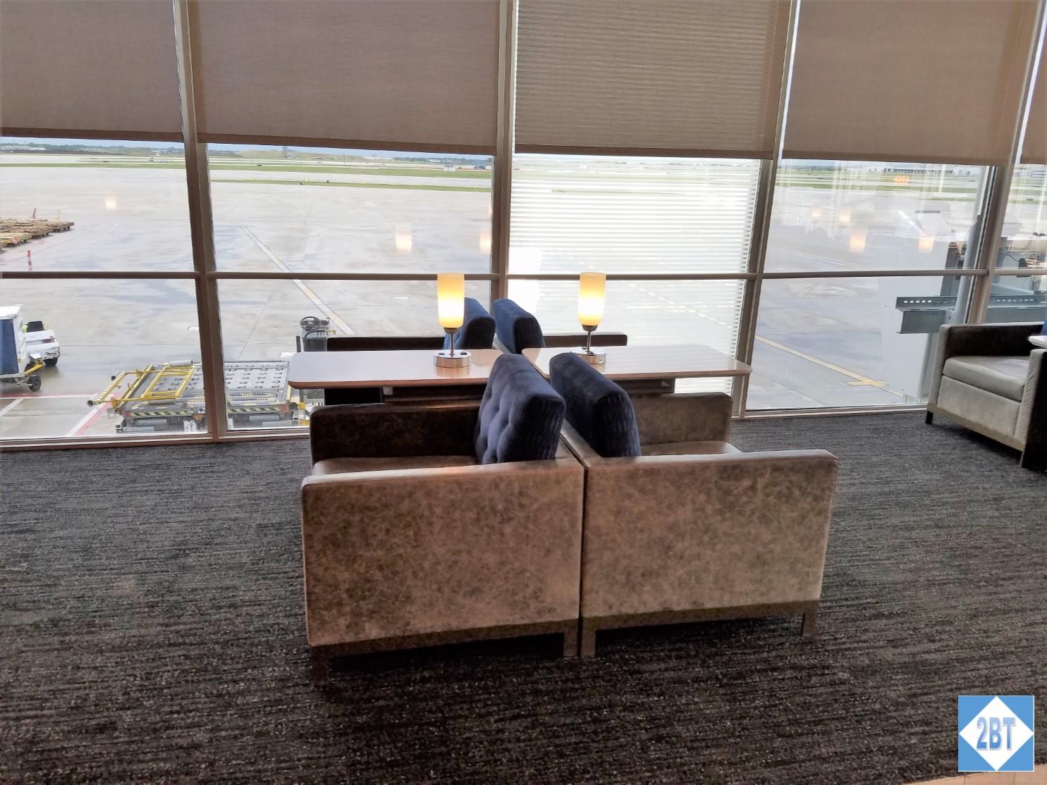 Review United Polaris Club Chicago O Hare Airport 2b